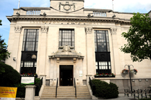 Camden Town Hall is an impressive Grade ll listed building which has a range of ceremony rooms including the large Council Chamber and is a great London wedding venue
